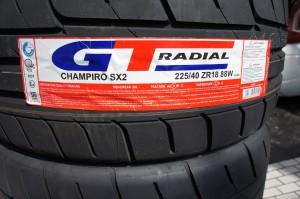 GT RADIAL SX2 225/40R18